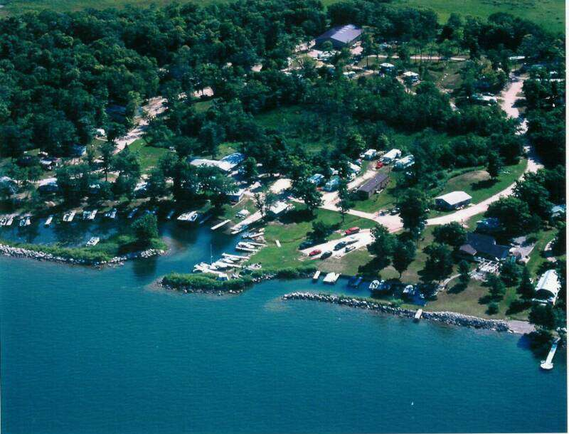 Aerial photo of Pikedale Lodge on Leech Lake