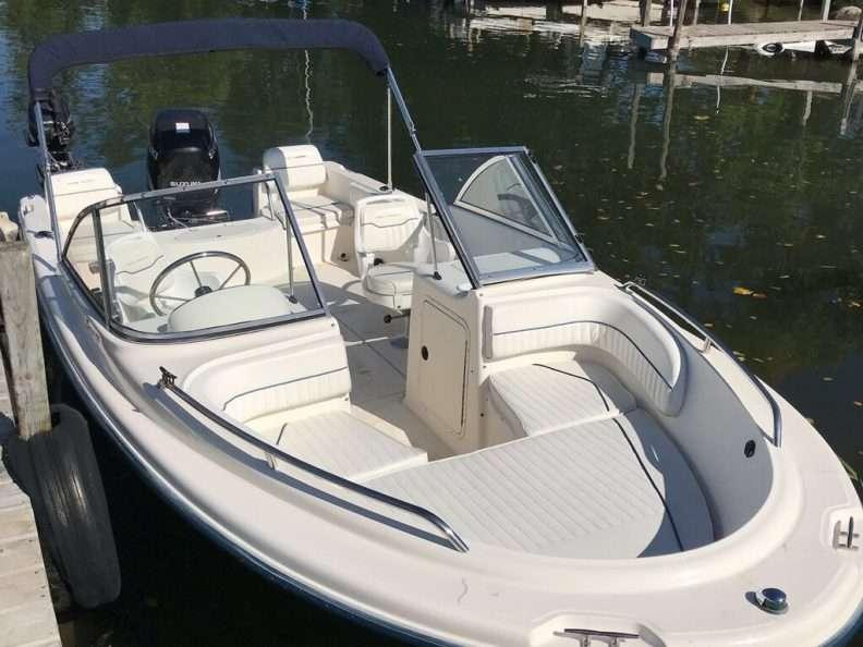 18' Sea Hunt Full Windshield for Rent Leech Lake