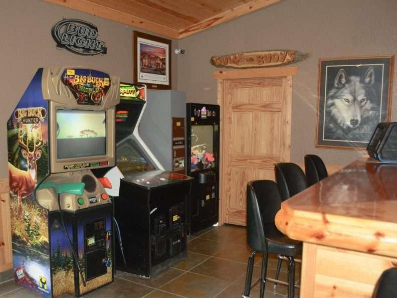 Pikedale Lodge Arcade